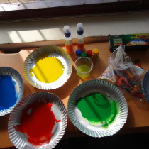 Preparations underway for the Toddler Art workshop.